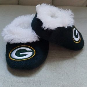 Like new baby packer slippers